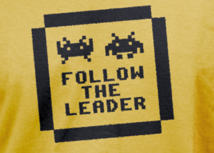 Follow the leader Tee detail
